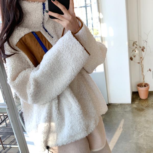 Contrast Pocket Sherpa Fleece Pullover by 66girls